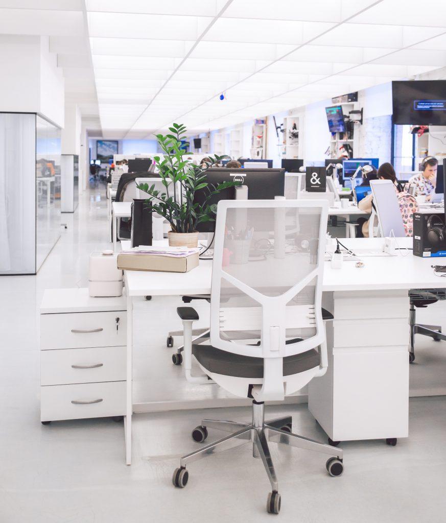 Ergonomisch eingerichtetes Büro